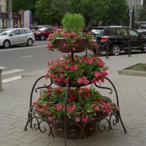Конструкция из вазонов для цветов уличная «Каскад»